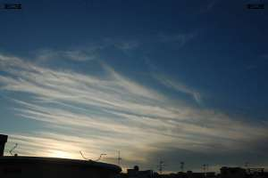 do cloud streamers pulling or pushing weather front line